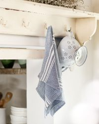 Small Contemporary Towel With Variegated Stripes (Indigo)