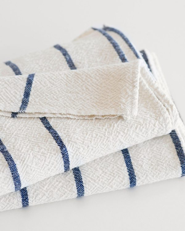 Large Country Towel With Stripes Throughout (Navy)