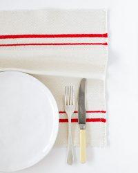 Country Placemat With Stripes On Ends (Red)