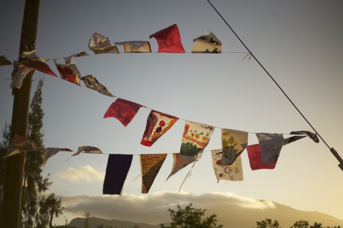 Weavers contribute to Barrydale Flags of Hope